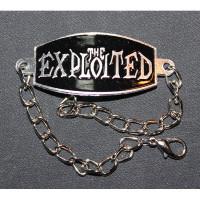 Bracelet on the arm Exploited